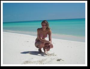 cayo-largo-cuba-tour-beachgirl